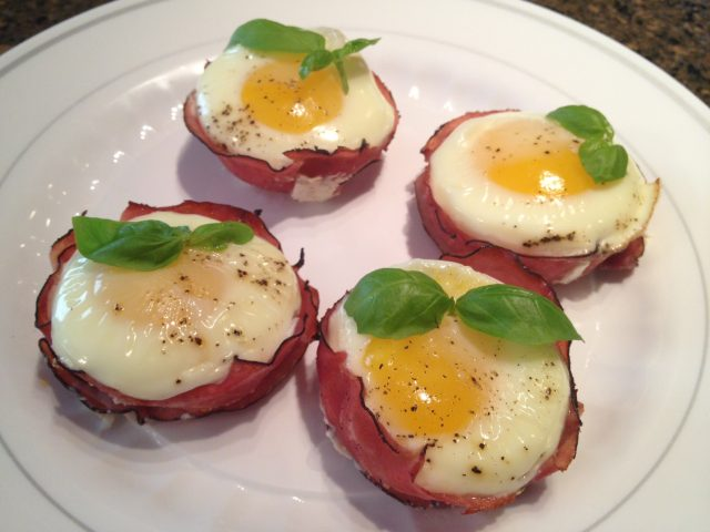 Egg in Ham Cups