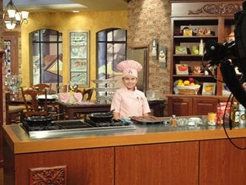 Kid-Chef-Eliana-in-the-WWL-TV-Studio-Kitchen20110722